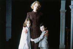 Still of Nicole Kidman, Alakina Mann and James Bentley in The Others