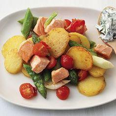 healthy dinner: potatoes, asparagus, salmon