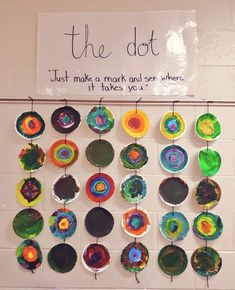 Co-created Dot Day art piece!The Dot is a wonderful book to inspire a provocation or art exploration!We are really happy to show you with this supeb list of Art Inspiration. Art For Kids, Crafts For Kids, Arts And Crafts, Grade 1 Art, Dot Day, Ecole Art, Reggio Emilia, Kindergarten Art, Collaborative Art