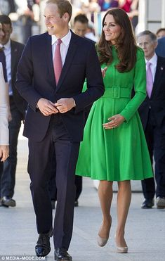 William and Kate arrived to a reception at Parliament House held in their honour, which wa... http://dailym.ai/1f6q6wh#i-9f5a0e5c