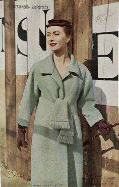 Cristobal Balenciaga, 1954 Apr.