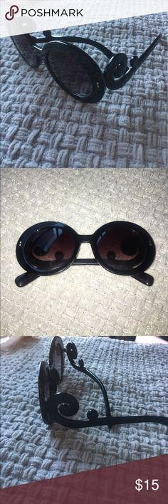 Detailed Sunglasses worn but great condition. not nasty gal but for views Nasty Gal Accessories Sunglasses