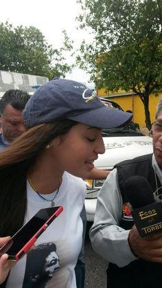 Patricia @patrigutierrezf esposa de Daniel Ceballos y futura alcaldesa de SC #Táchira #Venezuela en marcha #1M pic.twitter.com/DkWosFSQbz