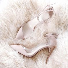 TIA: the perfect nude heels via #queenbe @chrisellelim