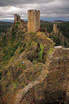 Lastours Castle, Outside of Carcassonne http://www.vacationrentalpeople.com/vacation-rentals.aspx/World/Europe/France/Languedoc-Roussillon/