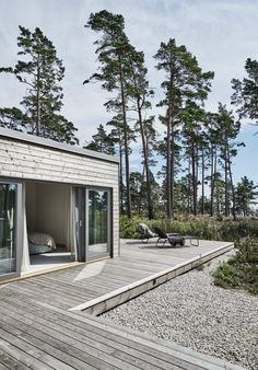 Villa Hagerman, Ljugarn – M. Architecture Durable, Architecture Design, House By The Sea, House In The Woods, Future House, Tiny House, Summer Cabins, Turbulence Deco, Cabins In The Woods