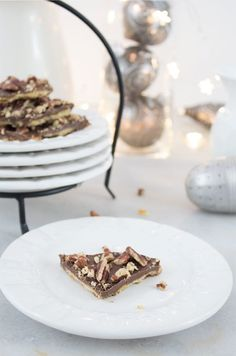 This quick and easy Christmas Bark cookie recipe uses only 5 ingredients and is SO good, you'll get asked for the recipe again and again!