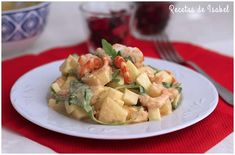 Ensalada navideña con gambas Potato Salad, Ethnic Recipes, Food, Gastronomia, Snap Peas, Sweet And Saltines, Plate, Best Recipes, Ethnic Food