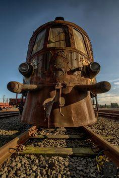 Un Train Abandonné de l'Orient Express révèle le Luxe des Voyages d'autrefois - Photo de Brian ( Rotterdam)