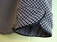 La soie et moi - La cabane d'Elilou - Tammie Frandsen- Kurti Sleeves Design, Kurta Neck Design, Sleeves Designs For Dresses, Dress Neck Designs, Sleeve Designs, Blog Couture, Creation Couture, Kurta Designs, Blouse Designs