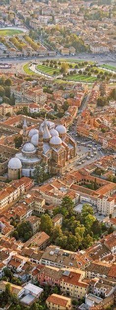 Padua , Italia - Vista aerea de una de las mas hermosas ciudades italianas: