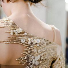 New Embroidery Fashion Haute Couture Ideas Couture Embellishment, Couture Embroidery, Embroidery Fashion, Embroidery Dress, Beaded Embroidery, Embellishments, Couture Beading, Couture Details, Fashion Details