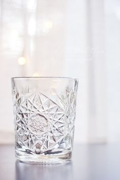 Hobstar crystal glasses for hot and cold drinks - GOT THEM! Crystal Holder, Classic Glasses, Kitchenware, Tableware, Home Board, Hearth And Home, Helsinki, Cold Drinks, Kitchen Interior
