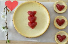 Descubre cómo preparar un delicioso Cheesecake, con una receta muy sencilla y con ingredientes más saludables (sin zúcar) y naturales bajos en calorías y grasas.