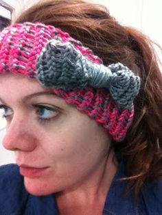 Knitted Headband with a Bow (using hat loom)