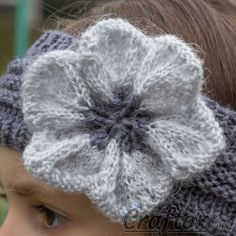Flower A headband is a stylish, convenient and practical accessory. Flower A headband is a stylish, convenient and practical accessory. It is very easy and fast to knit it. This headband w. Free Knitted Flower Patterns, Knitted Headband Free Pattern, Crochet Flower Hat, Knitting Patterns Free, Free Knitting, Pattern Flower, Knit Crochet, Knit Flowers, Crochet Headbands