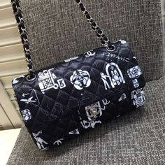 CF 2016, email me to get the price winnie@shoescrazy.net #chanel #chanelbag