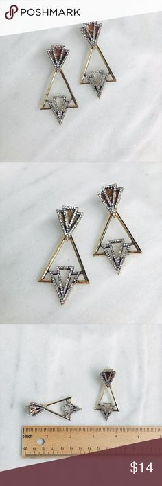 Art Deco Earrings Art Deco Earrings // nickel free jewelry // step back to the Roaring 20's with these antique gold and crystal costume earrings, their geometric shapes and lux-modern inspirations drawn from Parisian architects like Auguste Perret and Henri Sauvage, and find yourself amongst Gertrude Stein and the Lost Generation Jewelry Earrings