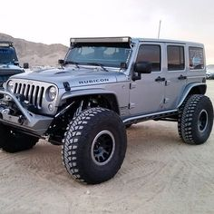 """""""Another sweet built Jeep JK running around King Of The Hammers Jeep Wrangler Rubicon, Jeep Wrangler Unlimited, Jeep 4x4, Jeep Truck, Red Jeep, Jeep Wave, Jeep Camping, Cool Jeeps, Jeep Accessories"""