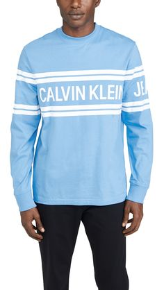 Shop a great selection of Calvin Klein Jeans Men's Varsity Traveling Logo Long Sleeve Tee. Find new offer and Similar products for Calvin Klein Jeans Men's Varsity Traveling Logo Long Sleeve Tee. India Fashion, Mens Fashion, Leopard Print Top, Denim Branding, Puma Mens, Tee Online, Dye T Shirt, Print Logo, Calvin Klein Jeans