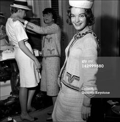 Coco Chanel and Romy Schneider: a real friendship - The Chic Flâneuse Romy Schneider, Sissi, Marca Chanel, Gabrielle Bonheur Chanel, Mademoiselle Coco Chanel, Retro, Mode Chanel, Chanel Paris, Chanel Brand