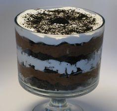 Oreo Brownie Trifle - Tried it. Loved it. Oreo Trifle, Chocolate Trifle, Trifle Pudding, Trifle Desserts, Chocolate Desserts, Chocolate Pudding, Dessert Recipes, Chocolate Cake, Dirt Cake Trifle Recipe