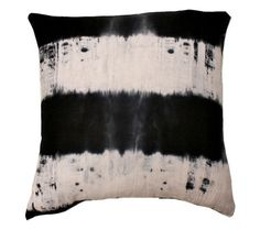 black white pillow #Olioboard #BlackandWhite #Pinspiration