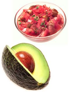 Superfood Combinations which yield even better health benefits together than by themselves!  Great excuse to eat your guac AND salsa!