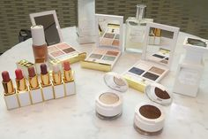 New for Holiday 2019 is the Tom Ford Soleil Neige collection and it's gorgeous! Eye Color Quads, Glow Sticks, a new lip balm formula & more. Birthday Party For Teens, Teen Birthday, Teen Party Games, Teen Parties, Shimmer Body Oil, Glow Crafts, Glow Jars, Tom Ford Beauty, Mardi Gras Party