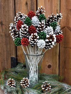 Christmas Pine Cones, Rustic Christmas, Simple Christmas, Christmas Holidays, Christmas Wreaths, Christmas Ornaments, Christmas Flowers, Primitive Christmas, Father Christmas