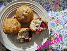 Classic Raspberry Muffins recipe from It's Always Ruetten #raspberry #bisquick