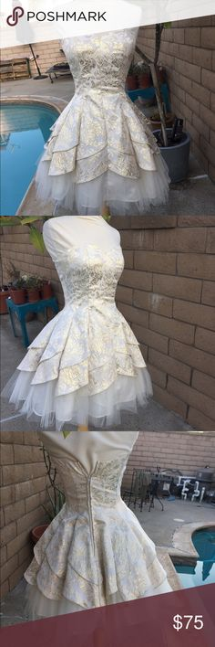 Windsor dress Used only for one night, dry cleaned  Size: 3/4  bought originally for $120 WINDSOR Dresses