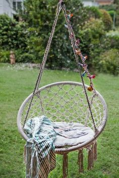 Macrama on pinterest macrame hanging chairs and baby swings for Diy macrame baby swing