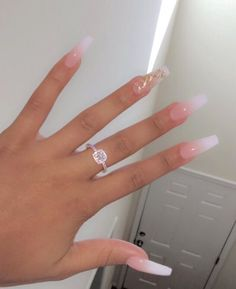 The advantage of the gel is that it allows you to enjoy your French manicure for a long time. There are four different ways to make a French manicure on gel nails. The choice depends on the experience of the nail stylist… Continue Reading → Matte Acrylic Nails, Long Square Acrylic Nails, Acrylic Nails Coffin Short, Simple Acrylic Nails, Coffin Nails, Pastel Nails, Clear Acrylic, Aycrlic Nails, Prom Nails