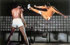 Bruce Lee vs Kareem Abdul Jabbar (Game of Death) Bruce Lee Games, Bruce Lee Movies, Bruce Lee Art, Bruce Lee Martial Arts, Bruce Lee Photos, Brandon Lee, Steven Seagal, Martial Arts Movies, Martial Artists