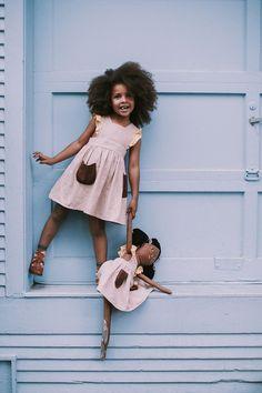 Summer Nostalgia: Playful Pinafores and Dolls - kleine Leute - Fashion Kids, Little Girl Fashion, Toddler Fashion, Style Fashion, Cute Kids, Cute Babies, Pretty Kids, French Kids, Stylish Kids