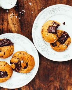 Salted Chocolate Chip Cookies - chewy and perfectly thick with lots of melty dark chocolate and a crunch of flaky sea salt. Chip Cookie Recipe, Best Cookie Recipes, Tea Cakes, Delicious Desserts, Dessert Recipes, Yummy Food, Shortbread, Biscotti, Macarons