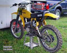 1977 Suzuki RM125B- Note the slim ergonomic profile and Fox air shocks.
