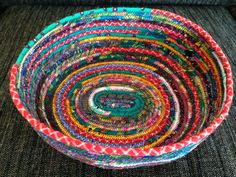 Baskets of fabric debris , Upcycled Textiles, Upcycled Crafts, Easy Crafts, Sewing Crafts, Diy And Crafts, Arts And Crafts, Visible Mending, Fabric Bowls, Textile Art