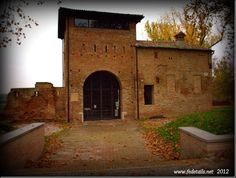 Porta degli Angeli (foto 1), Ferrara, Emilia romagna, Italia - Gate of Angels ( photo 1 ), Ferrara, Emilia Romagna, Italy - Property and Copyrights of www.fedetails.net