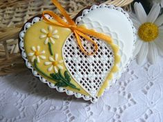 Gingerbread - heart with daisies