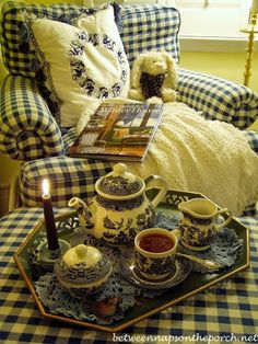 Celebrating the Winter Blues with Blue Willow China, a Blue and White Bedroom and a Cozy Book for the Winter House all blue and white--relaxing Blue Willow China, Blue China, China China, Café Chocolate, Vibeke Design, Damier, My Cup Of Tea, Cozy Cottage, Romantic Cottage