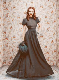 """The skirt is beautiful and the entire outfit screams """"old world."""" <3"""