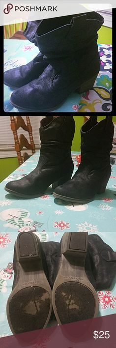 Rocket Dog black boots Awesome boots with a south west feel to them. Boots are in excellent used condition. Rocket Dog Shoes Ankle Boots & Booties