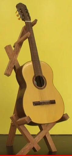 Eis o suporte para violão com o violão !!! #oficinadecasa #façavocêmesmo #diy #comofazer #marcenaria #suporteparaviolão #youtuber #influenciador Wood Ideas, Music Instruments, San, Carpentry, Woodworking, Home Workshop, Gamer Room, Diy, Log Projects