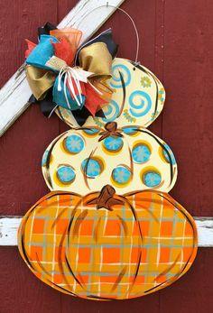 Burlap Door Hangers, Fall Door Hangers, Wooden Pumpkins, Fall Pumpkins, Painted Pumpkins, Fabric Pumpkins, Fall Crafts, Halloween Crafts, Fall Halloween