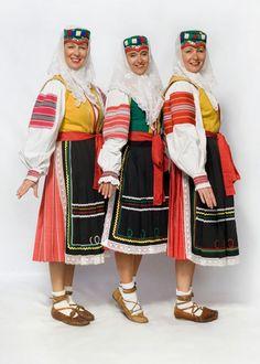 Ždiar village, Spiš region, Eastern Slovakia. Shoes! Folk Costume, Costumes, Folk Clothing, Heart Of Europe, Vintage Couture, Harajuku, Culture, Embroidery, People