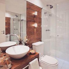 Banheiro inspiração...branco e madeira!  #dicameiramartins #decor #interiores #inspiração #ambientes #projetos #decoração #designdeinteriores #acabamentos #marcenaria