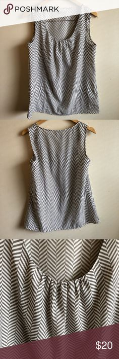 🔥sale of the day🔥ANN TAYLOR sleeveless top ANN TAYLOR women's Chevron Print sleeveless Blouse  size medium In good condition gray and cream white Ann Taylor Tops Blouses