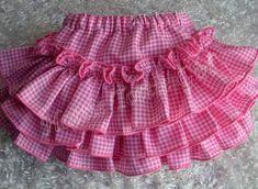 67 ideas baby newborn girl diaper covers for 2019 Little Girl Skirts, Skirts For Kids, Toddler Girl Dresses, Baby Frocks Designs, Kids Frocks Design, Baby Skirt, Baby Girl Dress Patterns, Baby Bloomers, Kids Outfits